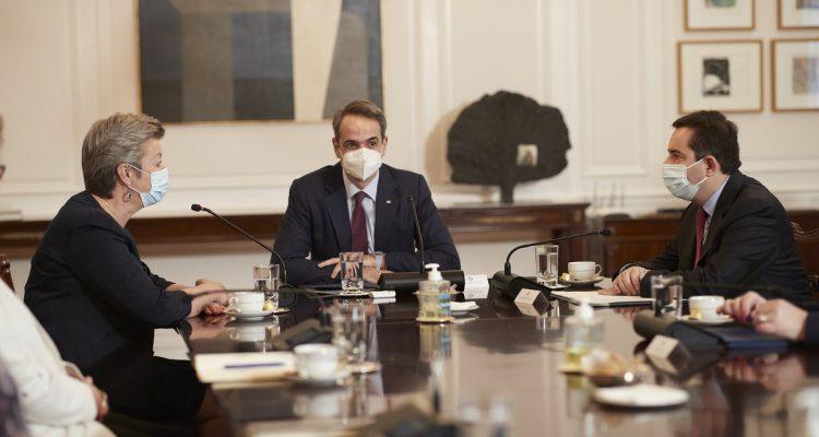 Ελλάδα: Με Μητσοτάκη και Δένδια συναντήθηκε η Επίτροπος Johansson