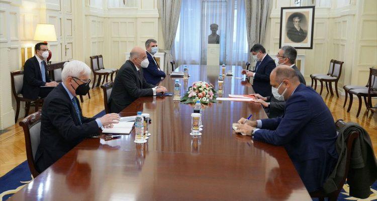 Ελλάδα: Την προετοιμασία της επικείμενης επίσκεψης στην Τουρκία, συζήτησαν Δένδιας- Özügergin