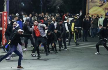 Ρουμανία: Συνεχίστηκαν και την Τρίτη οι εκδηλώσεις διαμαρτυρίας αλλά με λιγότερο κόσμο