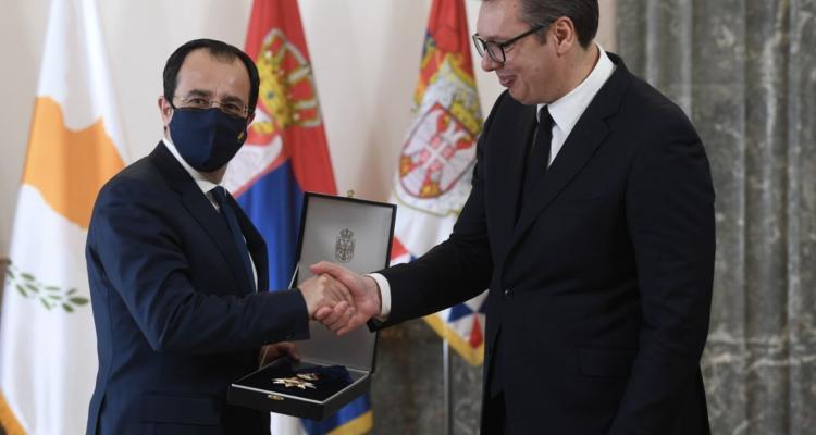 Σερβία: Ο Πρόεδρος Vučič απένειμε προσωπικά στον Χριστοδουλίδη το Μετάλλιο του Τάγματος της Σημαίας της Σερβίας