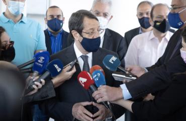 Κύπρος: Εμβολιάστηκε το Υπουργικό Συμβούλιο, έσπασε το φράγμα των 200.000 εμβολιασμών