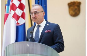 Grlić Radman: Η Κροατία αντιτίθεται σε κάθε αλλαγή στα σύνορα της Β-Ε