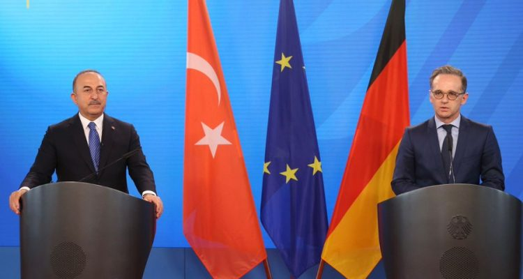 Çavuşoğlu: Οι ξένοι μαχητές δεν πρέπει να συνδέονται με τις δυνάμεις στη Λιβύη που βρίσκονται εκεί μετά από συμφωνία με την νόμιμη Κυβέρνηση