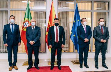Zaev: ΟΙ προτάσεις Silva και Varhelyi είναι μια καλή βάση για λύση