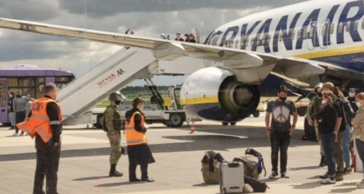 Ελλάδα: Πρωτοφανές περιστατικό στην πτήση της Ryanair από Αθήνα για Vilnius