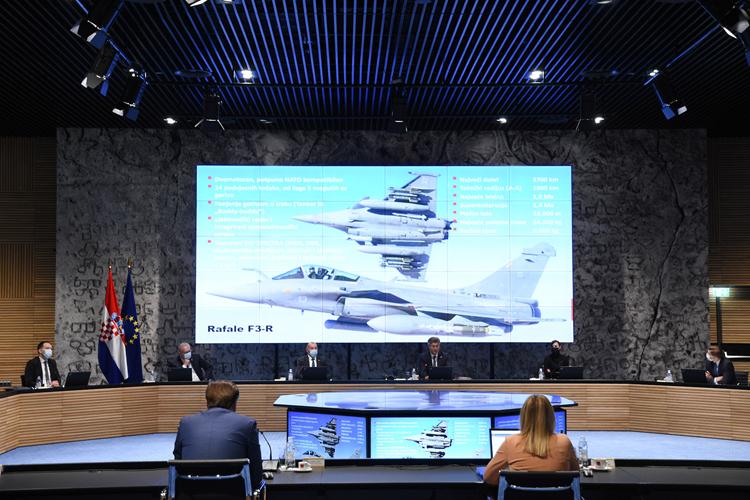Η Κροατία θα προμηθευτεί 12 γαλλικά μαχητικά αεροσκάφη πολλαπλών ρόλων