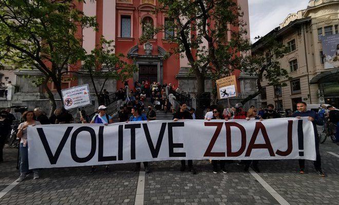 Σλοβενία: Αρκετές χιλιάδες πολίτες συγκεντρώθηκαν στις διαμαρτυρίες