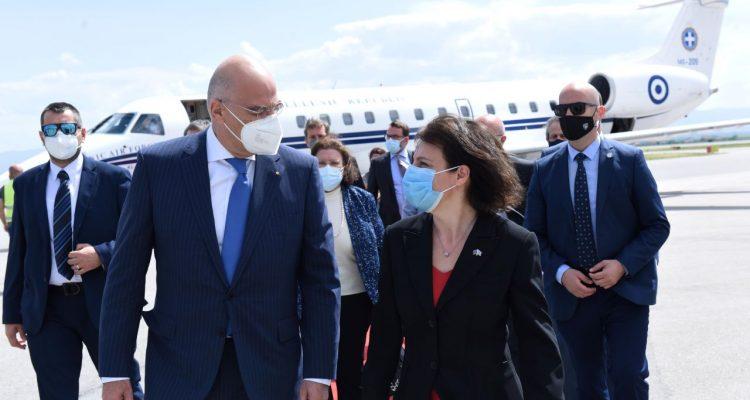 Κοσσυφοπέδιο: Με την πολιτειακή και πολιτική ηγεσία συναντήθηκε ο Δένδιας