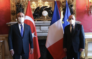 Cavusoglu: Στόχος μας είναι να ενισχύσουμε τις σχέσεις μας με τη Γαλλία στη βάση του αμοιβαίου σεβασμού
