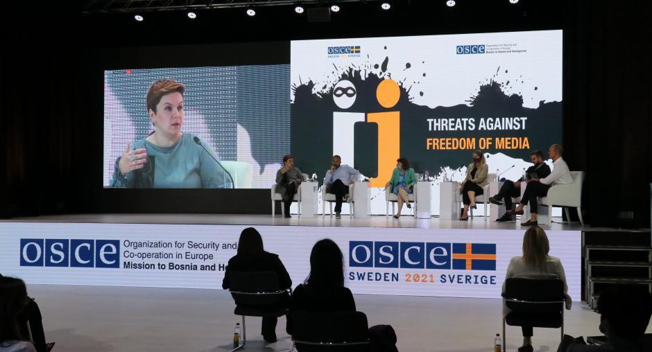 Β-Ε: Ο ΟΑΣΕ διοργάνωσε συνέδριο για τις απειλές κατά της ελευθερίας των μέσων ενημέρωσης