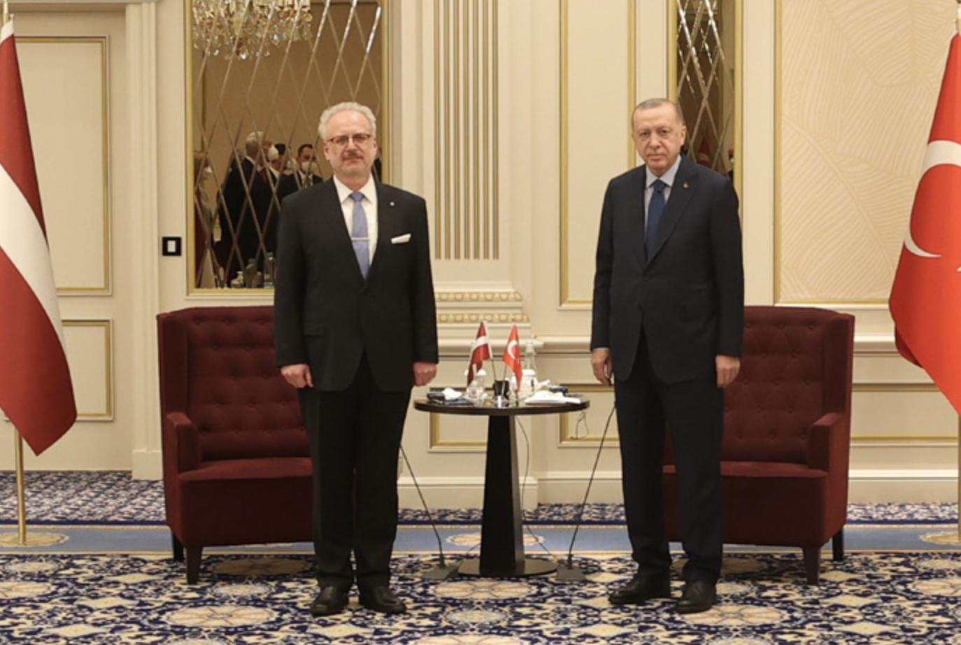 Τουρκία: Ξεκίνησε τις επαφές του στις Βρυξέλλες ο Erdogan στο πλαίσιο του ΝΑΤΟ