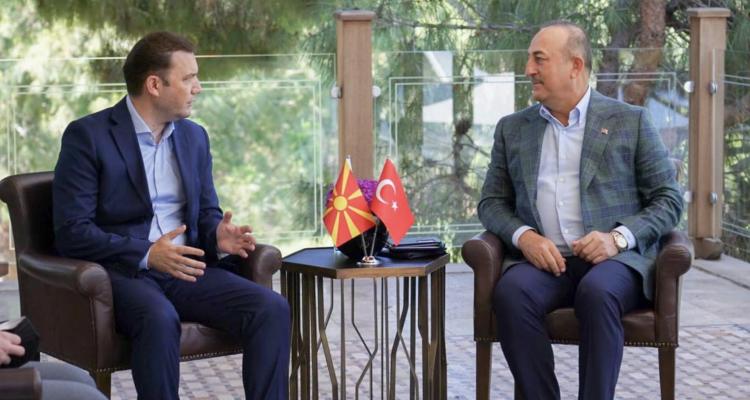 Συναντήθηκαν Çavuşoglu-Osmani στην Αττάλεια