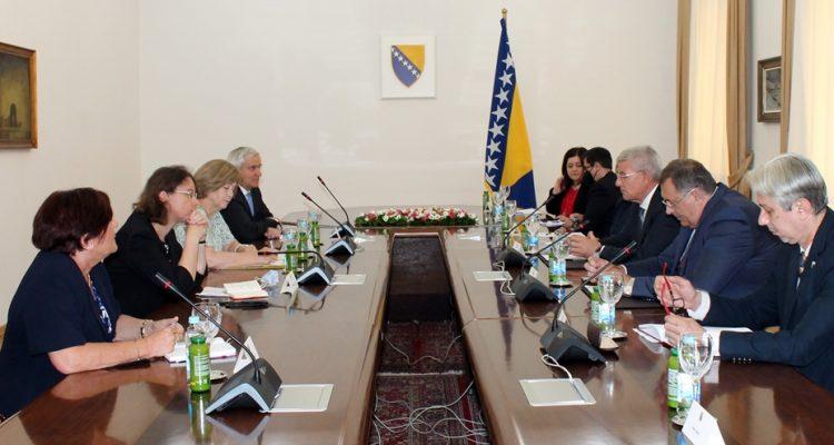 Β-Ε: Τα μέλη της Προεδρίας της Β-Ε συναντήθηκαν με τη σύμβουλο του Προέδρου της Γαλλίας