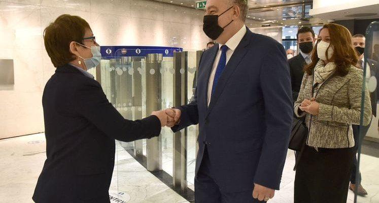 Μαυροβούνιο: Ο Krivokapić σε επίσημη επίσκεψη στο Ηνωμένο Βασίλειο, συναντήθηκε με την Πρόεδρο της ΕΤΑΑ Renaud-Basso