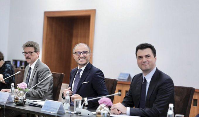 Αλβανία: Ο Soreca και οι πρέσβεις των χωρών της ΕΕ συναντήθηκαν με τον Basha