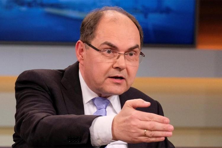 Β -Ε: Η Κίνα αρνήθηκε να αναγνωρίσει τον Christian Schmidt ως νέο Ύπατο Εκπρόσωπο