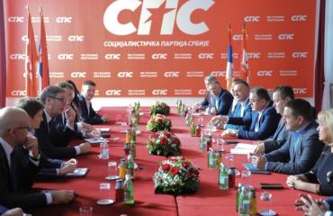 Σερβία: Vučić και Dacić συνεχίζουν τη συνεργασία SNS και SPS