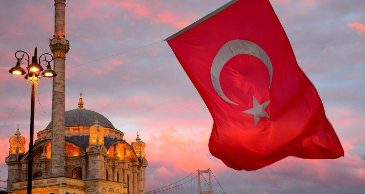 Η διεθνώς απομονωμένη και με καταρρέουσα οικονομία Τουρκία