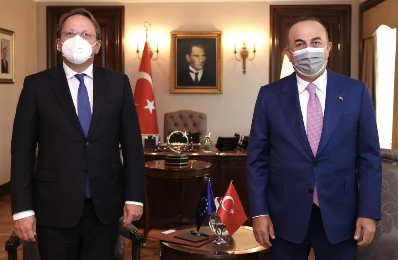 Τουρκία: Συνάντηση Cavusoglu Varhelyi στην Άγκυρα