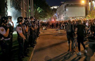 Σλοβενία: Η αστυνομία διέλυσε τις διαδηλώσεις ενάντια στα αυστηρότερα μέτρα για τον COVID-19
