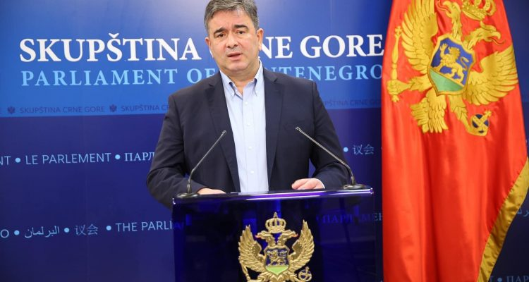 Μαυροβούνιο: Ο Medojević πιστεύει ότι η κυβέρνηση έχει κάνει ένα καταστροφικό λάθος