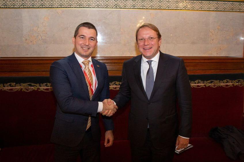 Μαυροβούνιο: Ο Bečić συναντήθηκε με τον Varhelyi