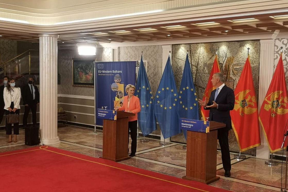 Von der Leyen από το Μαυροβούνιο: Απαιτείται διάλογος