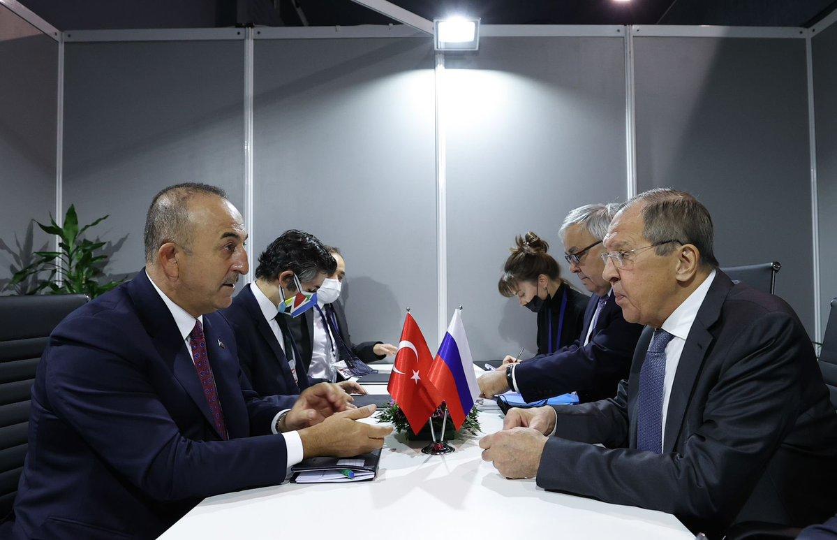 Τουρκία: Συναντήθηκαν Cavusoglu και Lavrov στο περιθώριο της 60ης επετείου του Κινήματος των Αδεσμεύτων