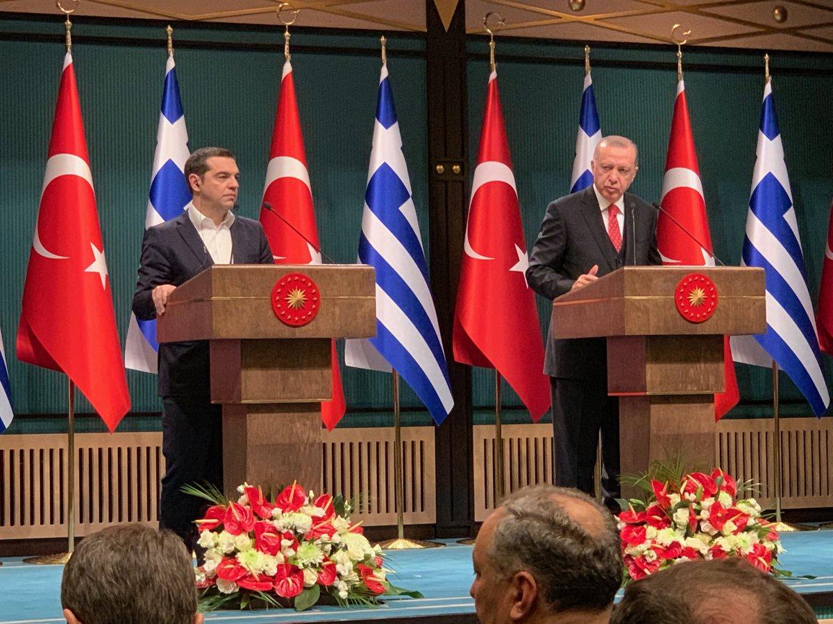 Tsipras se vraća iz Turske sa nadom i obećanjima
