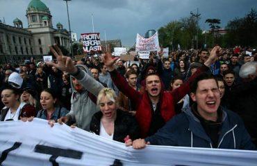 Da li Kosovo stoji iza protesta opozicije u Beogradu?