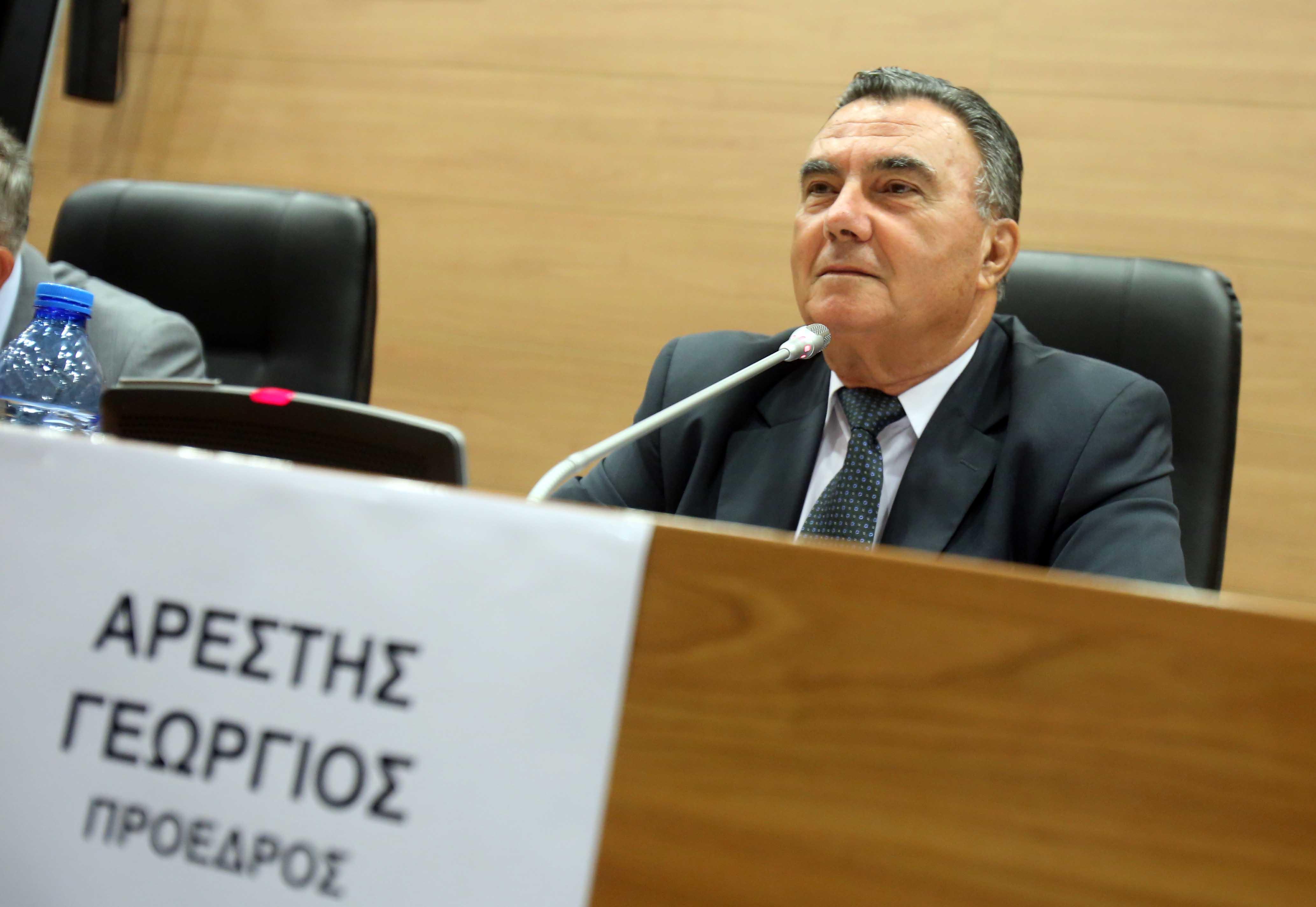 Arestisova ostavka pokrenula oluju reakcija