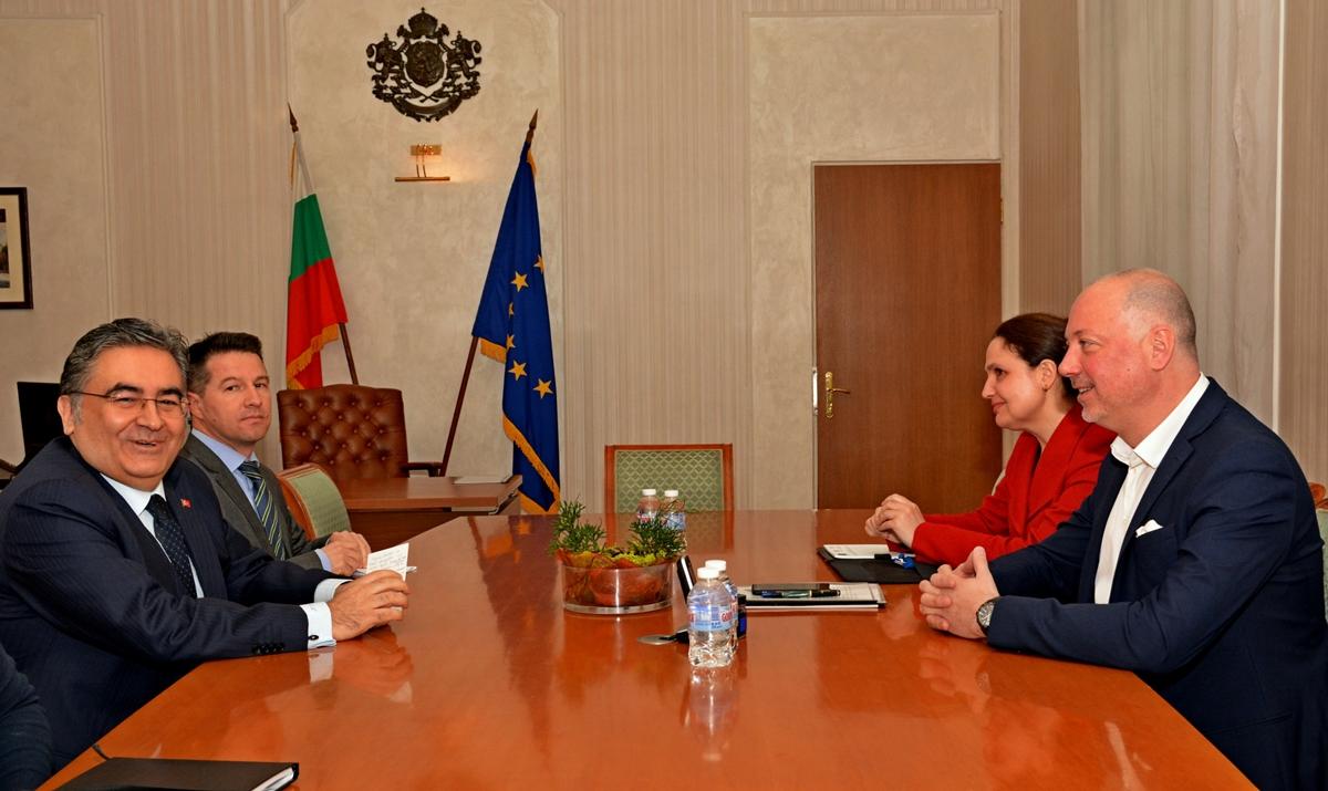 Bugarski ministar transporta susreo se s turskim ambasadorom zbog zadržavanja kamiona na granici