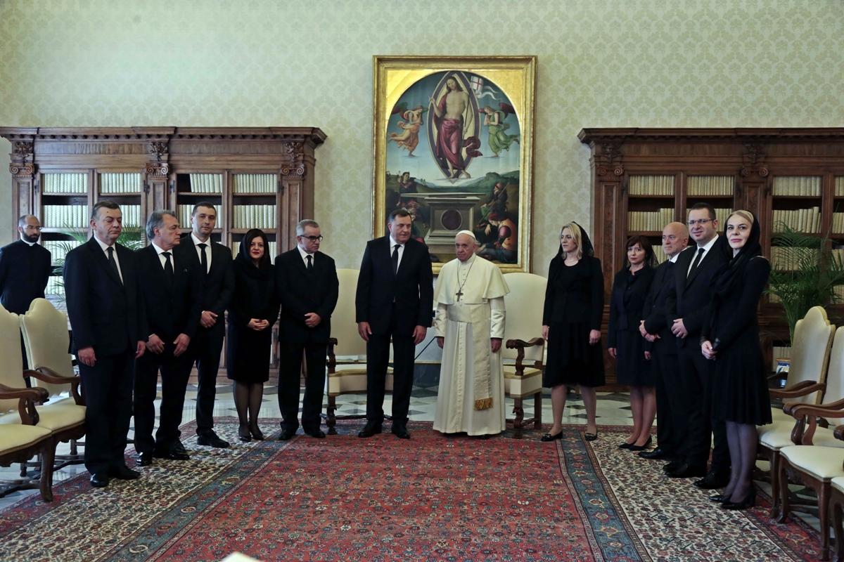 Dodik se sastao sa papom Franjom