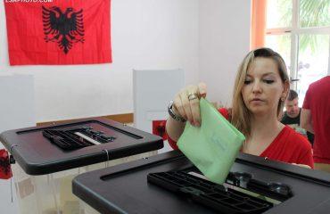Niska izlaznost na izborima za gradonačelnike u Albaniji