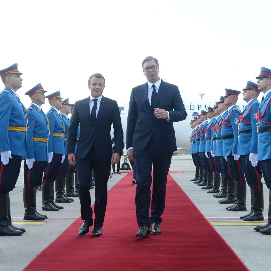 O Kosovu da ne odlučuju sile van Evrope, rekao Makron u Beogradu