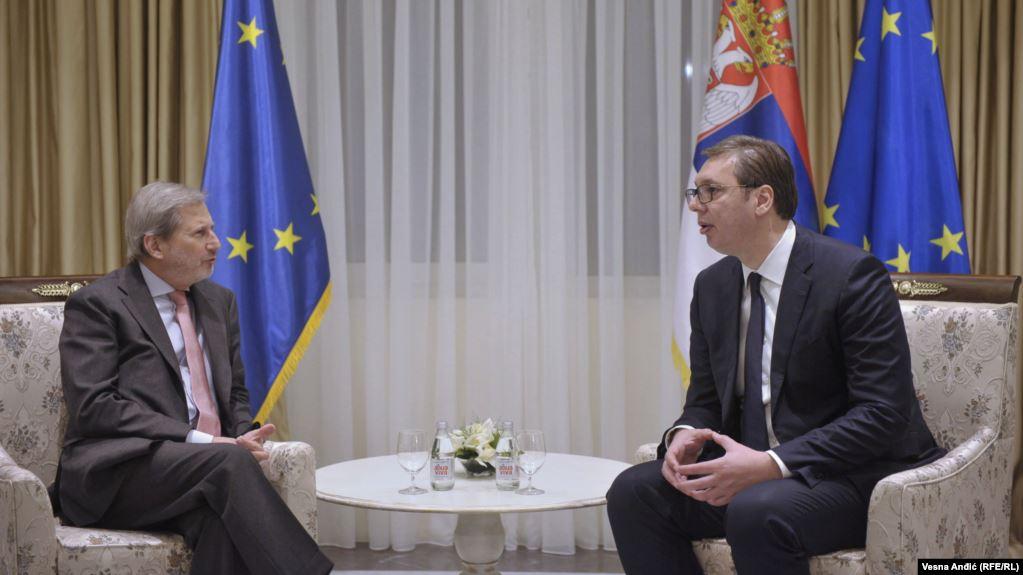 Hahn i Vučić razgovarali o dijalogu između Kosova i Srbije