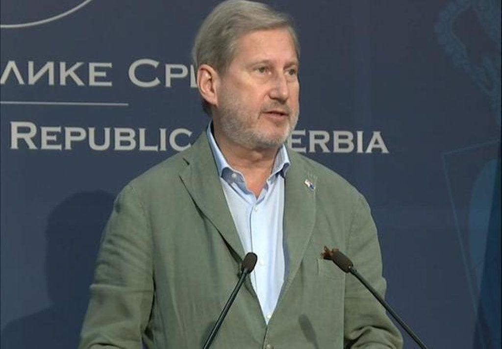 Hahn se nada da će se dijalog između Kosova i Srbije nastaviti u septembru