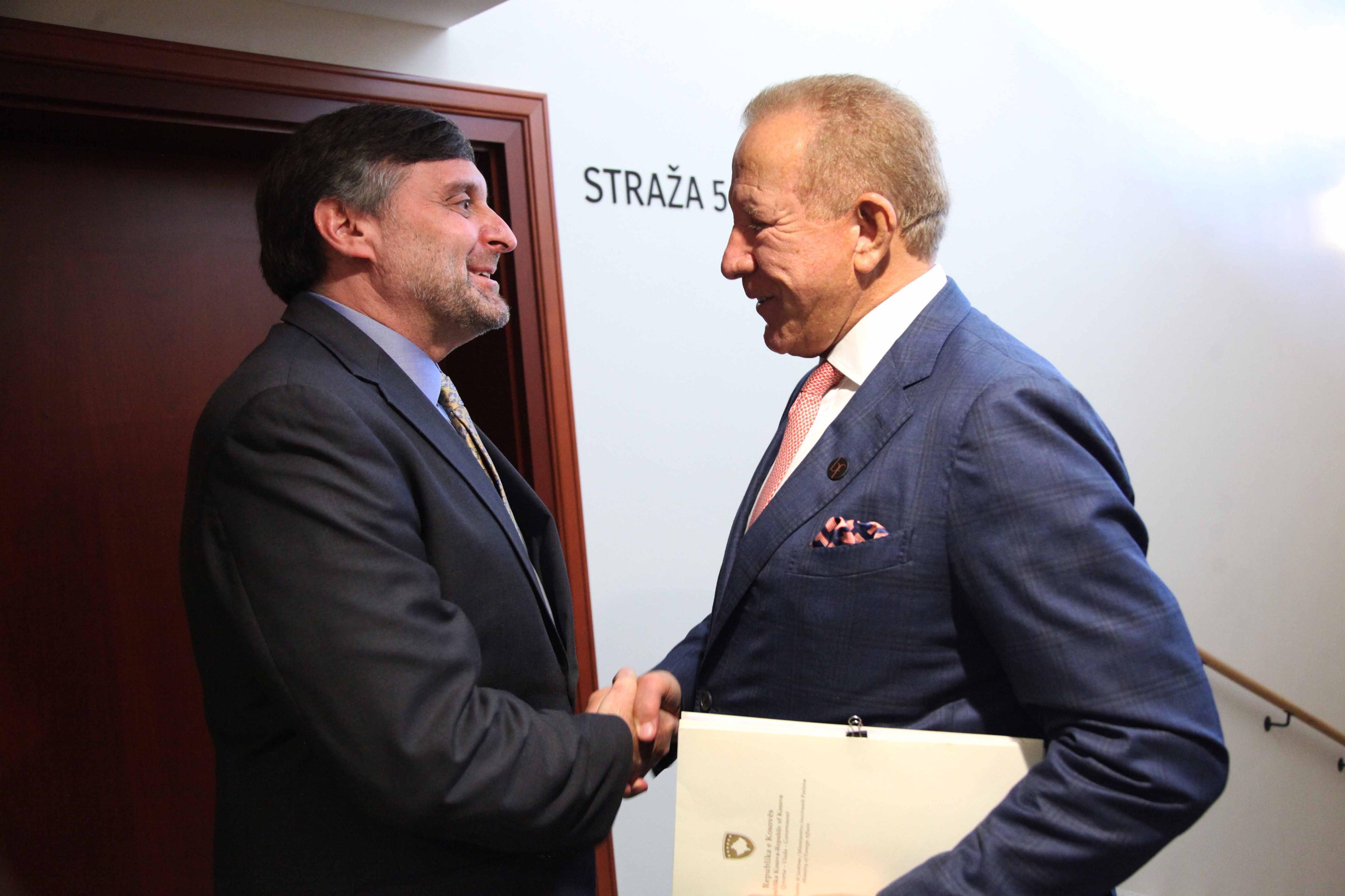 Ministar Pacolli sastao se sa ambasadorom Palmerom