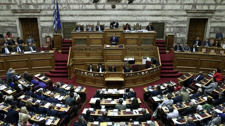 Grčki Parlament odobrio nove zakone o azilu