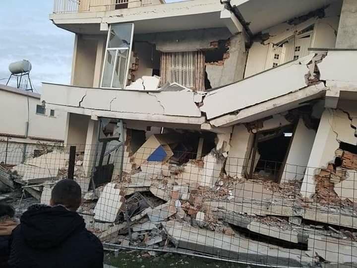 Raste broj žrtava u Albaniji, pomoć stiže iz regiona