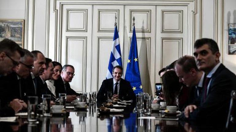 Mitsotakis, Schinas i Johansson razgovarali o migrantsko-izbegličkom problemu