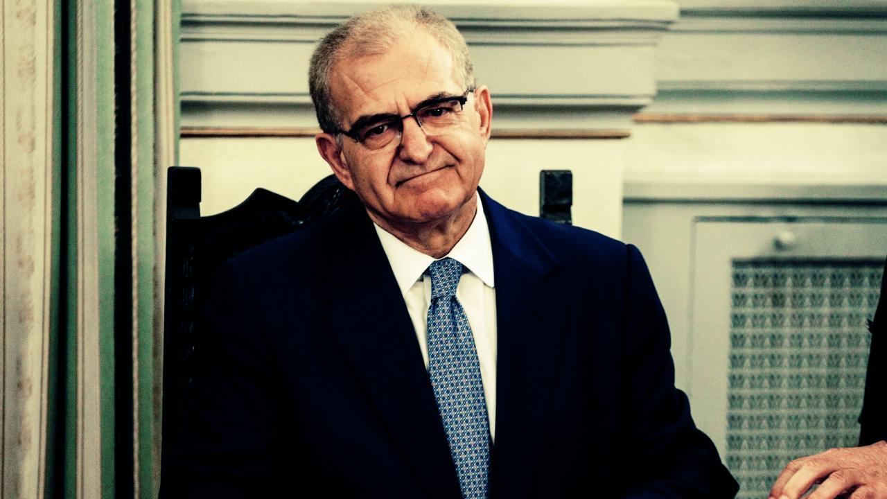 Zamenik grčkom ministra spoljnih poslova podneo ostavku nakon skandala sa lažnom biografijom