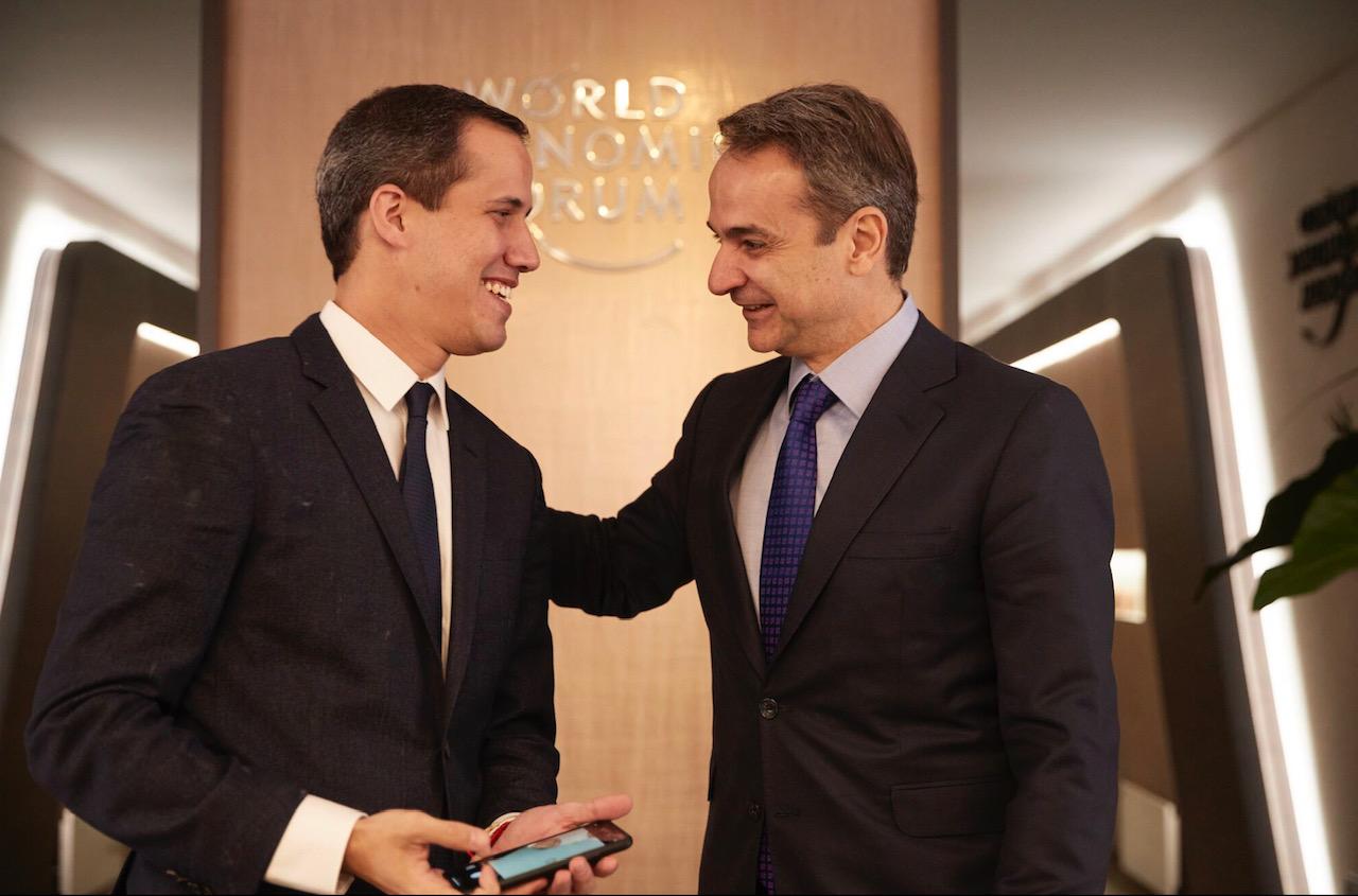 Mitsotakis se u Davosu sastao sa Guaidom i Barzanijem