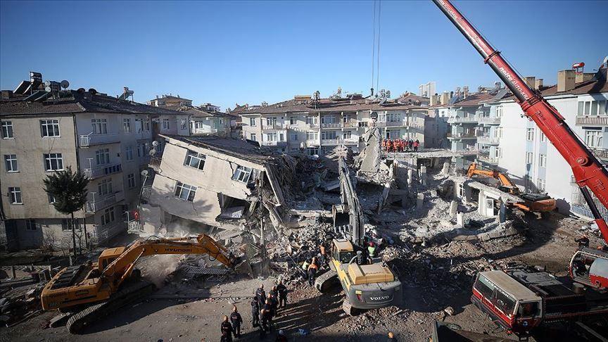 Turska: Broj mrtvih narastao na 41, Vlada najavila mere za pomoć žrtvama zemljotresa