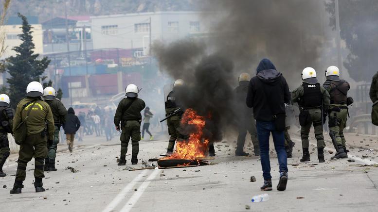 Protest migranata na ostrvu Lesvos prerastao u nasilje