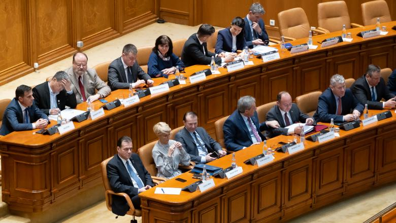 Rumunija: Izglasano nepoverenje – pala Orbanova Vlada