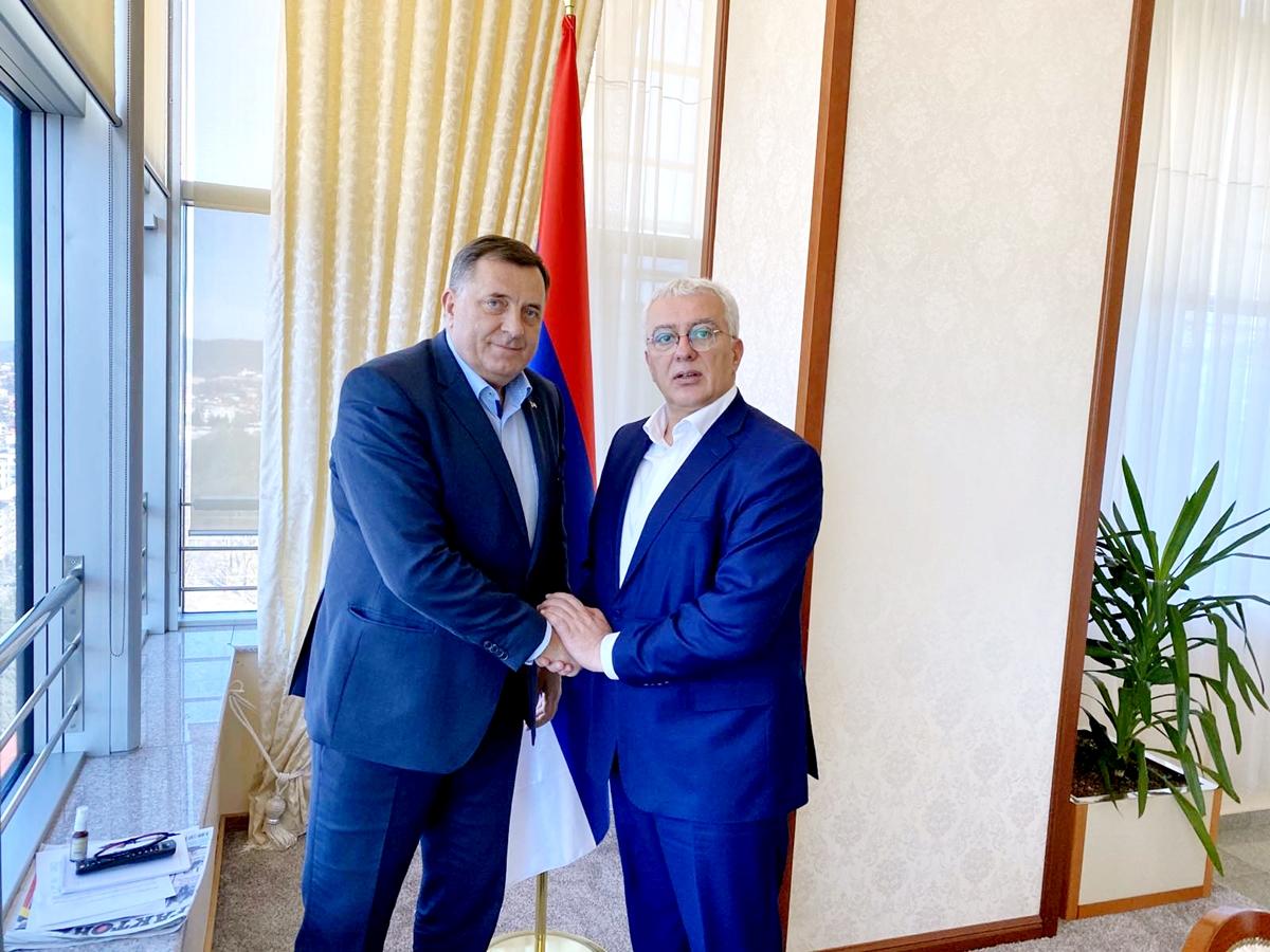 Dodik se u Banja Luci sastao sa crnogorskim opozicionarom Andrijom Mandićem