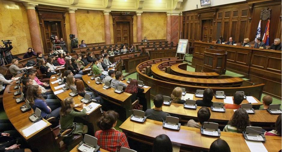 Srbija: Smanjenje izbornog praga dovodi do promene snaga stranaka u Parlamentu