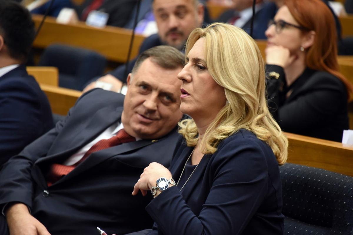 """Dodik: """"Zbogom BiH, dobrodošao RSegzit"""""""
