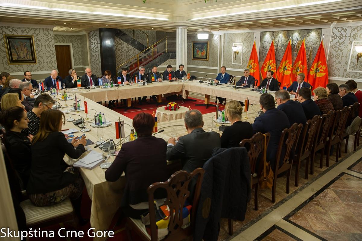 Brajović: Za prevazilaženje izazova i odgovore na aktuelna pitanja odgovorne i opozicione parlamentarne partije